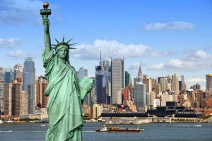 statue of liberty skyline