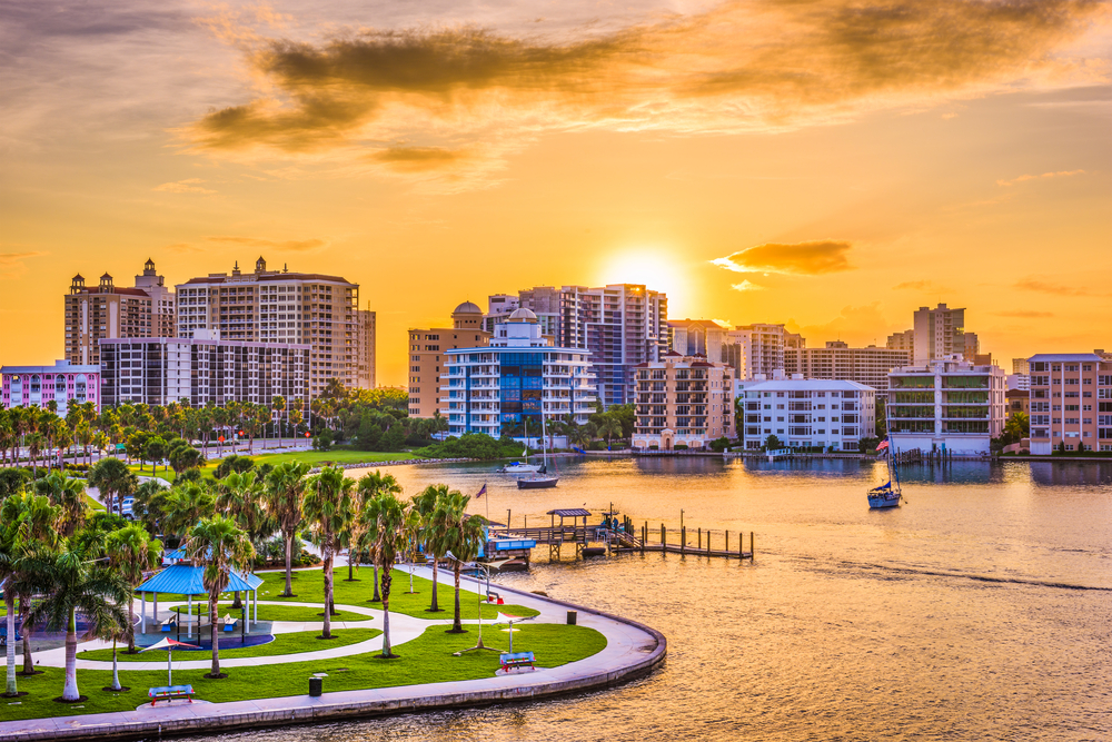 The Pros and Cons of Living in Sarasota