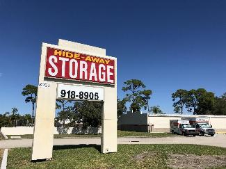 Hide-Away-Storage-South-Sarasota-Self-Storage