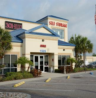 Hide-Away-Highway-301-Tampa-Self-Storage-Facility-Exterior